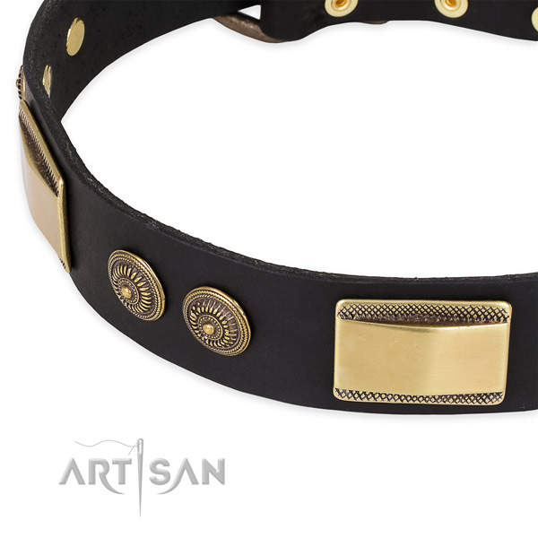 Adjustable full grain genuine leather collar for your attractive pet