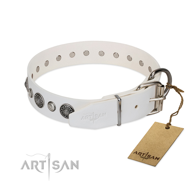 Best quality leather dog collar with corrosion resistant buckle